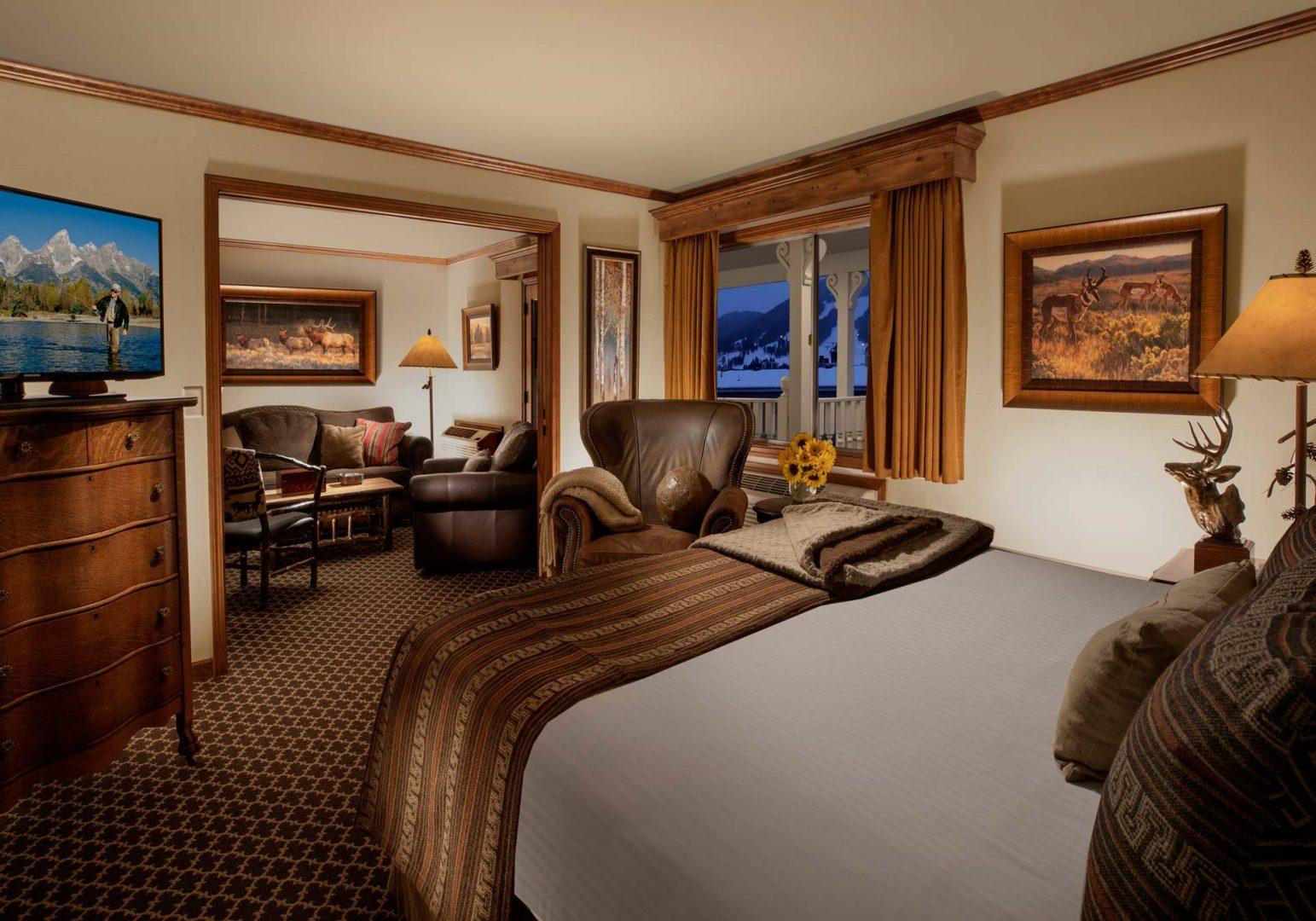 Master King Suite - Parkway Inn